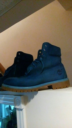 Blue Timberlands size 9.5