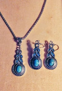 3 piece earings and necklace