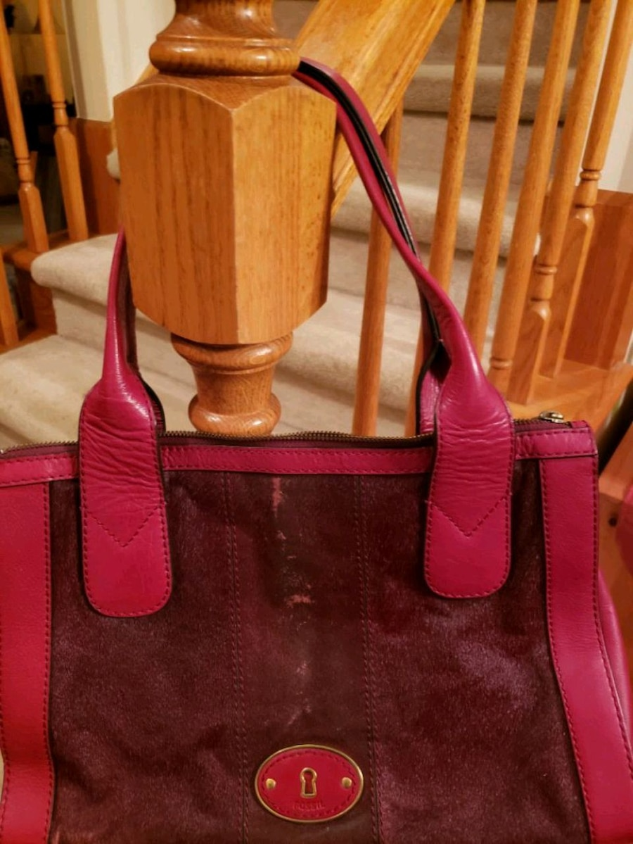 Photo Fossil leather burgandy cow hide purse