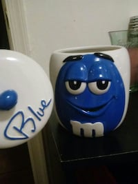 blue and white M&M ceramic canister Hagerstown, 21740