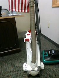 gray and black upright vacuum cleaner Council Bluffs, 51503