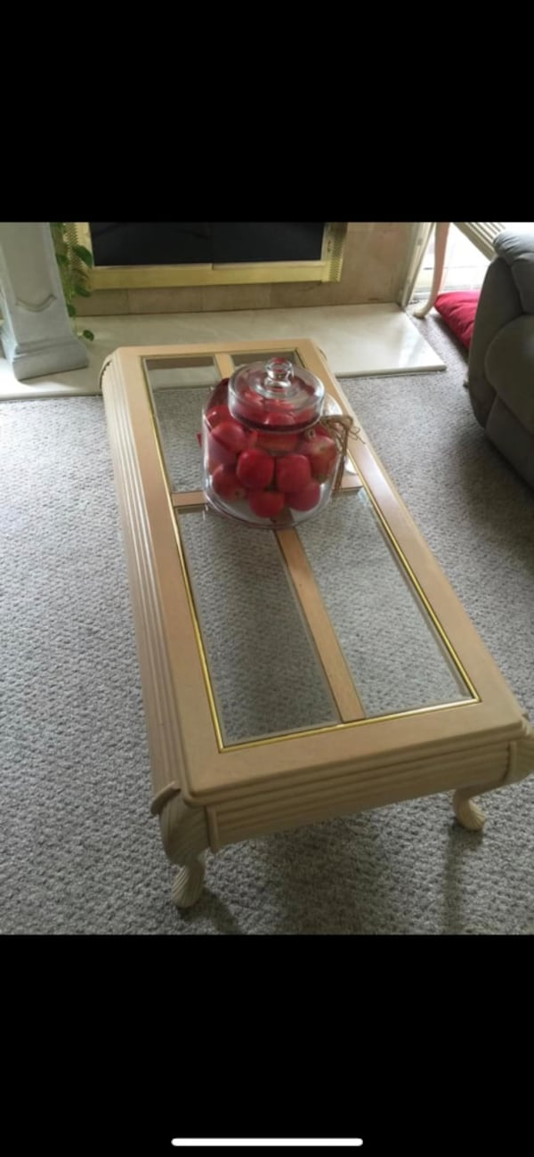 Coffee table and 2 side table and one shelves Unit b70ffdcb-689d-45c2-a390-b1dda1585b53