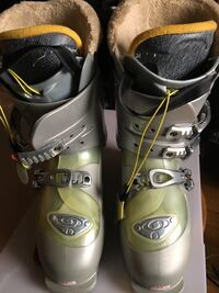 Ski boots Salomon size 25.0  US 7 1/2