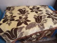 Beautiful heavy blanket (3 dif) fits up to king bed