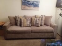 Couch and loveseat sold together 1 year old $500 Toledo, 43607