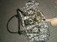 Guess purse St. Catharines, L2M 7V1