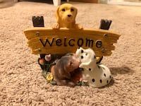 Welcome dog statue