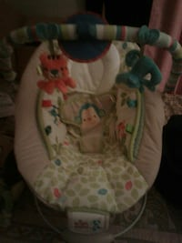 baby's white and pink bouncer San Angelo, 76903