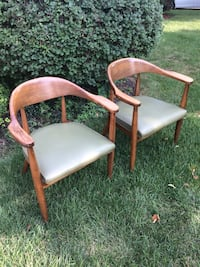 Vintage Mid Century Wooden Arm Chairs Pair ローゼル, 60172