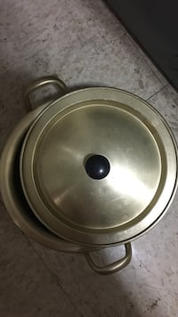 round stainless steel cooking pot North Brunswick, 08902