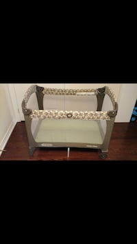 2 stages Graco Pack n play in a good condition Innisfil, L0L 1W0