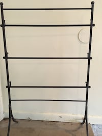 Custom Towel blanket steel self standing rack Mc Lean, 22101