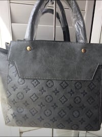 black and gray leather tote bag Milton, L9T 6X5