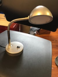 Chrome reading lamp w USB