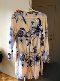 white and blue floral long-sleeved dress Beaconsfield, H9W 2B3