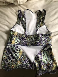 Women's multicolored floral workout style top Courtice, L1E 1Y6