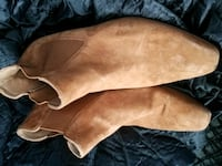 pair of brown leather heeled boots Ellenville, 12428