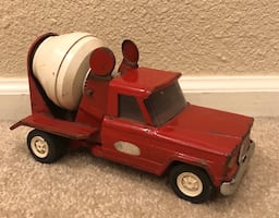 Vintage classic RED TONKA Cement Mixer Truck. Missing Piece