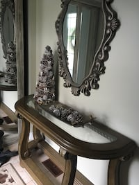 Beautiful mirror and furniture pieces...absolutely lovely Kirkland