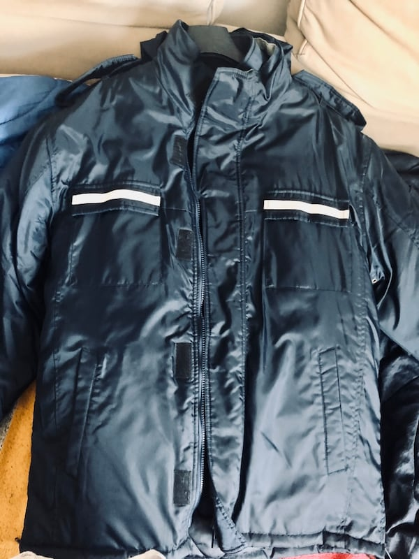 New Men's winter jacket 2 layers with removable fleece layer EUC aa519484-522f-4a2b-a6cf-65c0645fc275