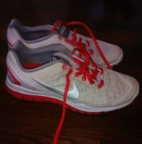 pair of white-and-red Nike running shoes Roanoke, 24013