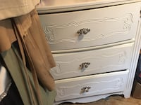 Beautiful White Dresser Cambridge, N1S 3B4