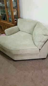 2 Piece Sectional Sofa with Pull out bed. Clinton, 20735
