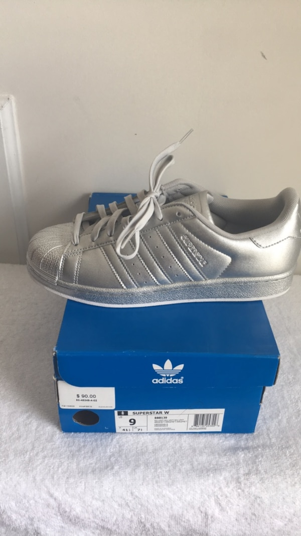 d40bd0f21209 Used Shell Toe Adidas size 9 for sale in Union City - letgo