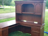 Executive desk with hutch Leesburg
