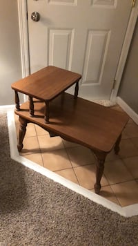 Two Tiered End Table Columbus, 43224