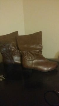pair of brown leather boots Martinsburg, 25404