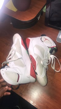 pair of white Air Jordan basketball shoes Upper Marlboro, 20772