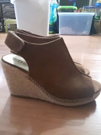 Brown Wedge, size 8 1/2 Vancouver, V5S 2M6