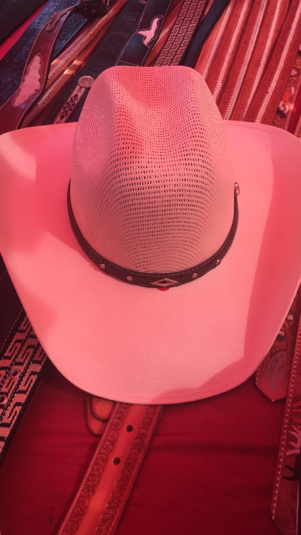 83f339420ebc7 Used white cowboy hat for sale in Duarte - letgo