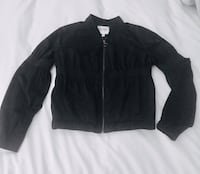 Guess nylon short jacket with elastic at the waist, size small. Like new. Paid 179$ Montréal, H1J