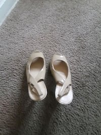pair of white leather peep-toe heeled sandals Hyattsville, 20782