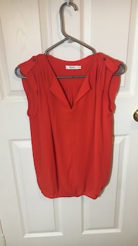 Red sleeveless blouse Barrie, L4N 8S4