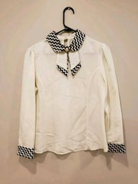 white and black v-neck long sleeve shirt Vaughan, L4H 2L3
