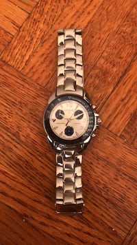 round silver-colored chronograph watch with link bracelet Toronto, M2M 4B1