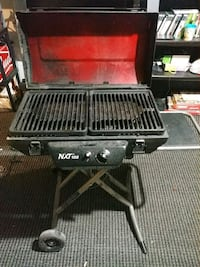 black and red NXT 100 portable gas grill Cambridge, N3C 4B4