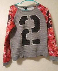 red, black, and gray number 2 print scoop neck lon Fitchburg, 53719
