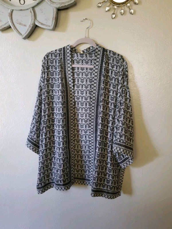 Trobal print oversized shawl