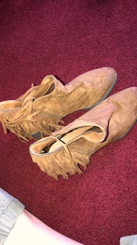 pair of brown suede fringe boots Martinez, 94553
