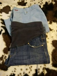 Levi shorts size 14 MIs and maternity size. 6 South Bend, 46601