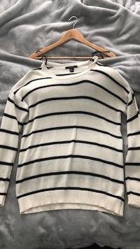 White and black stripe knit shirt Vaughan, L6A 3M1