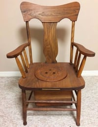 Beautiful wooden antique commode potty chair London, N6K 4H3