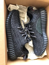 Yeezy 350 Pirates Size: 7 Men / 8.5 Women $800 Toronto, M5V 4A9