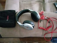 gray Beats by dr. dre corded headphones