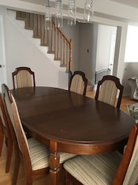Solid Oak dining set with 6 chairs Newmarket, L3X 2N7