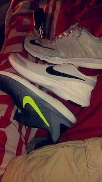3 pair of white-and-grey Nike shoes Gurley, 35748